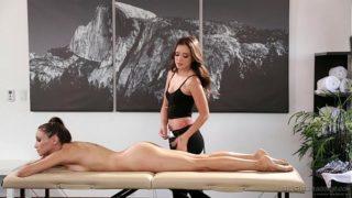 Celeste Star meets her masseuse fangirl Gia Paige – Fantasy Massage