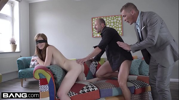 Glamkore – Linda Sweet gets a surprise threesome
