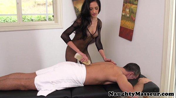 Massage babe Chloe Amour in fishnet nailed