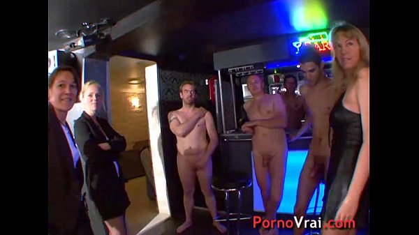 Orgy in the basement of a house! French amateur