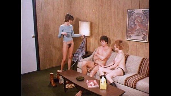 Teenage twins (1976) – Blowjobs & Cumshots Cut