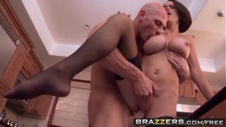 Bad milf (McKenzie Lee) fucks the help – Brazzers