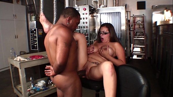 Big ass brunette bitch Selena Castro was nailed with black dong on the factory floor