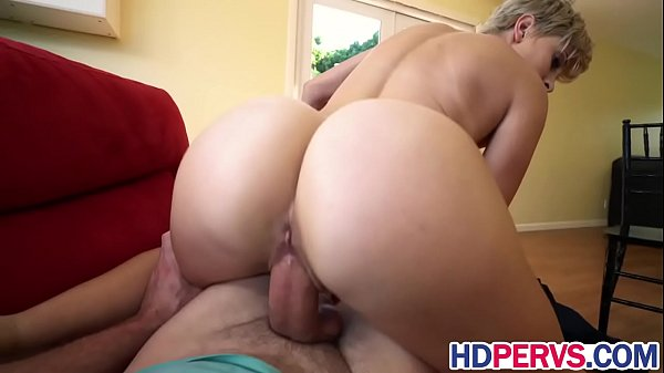 Big Butt Blonde Makes Sex Tape For Her Ex