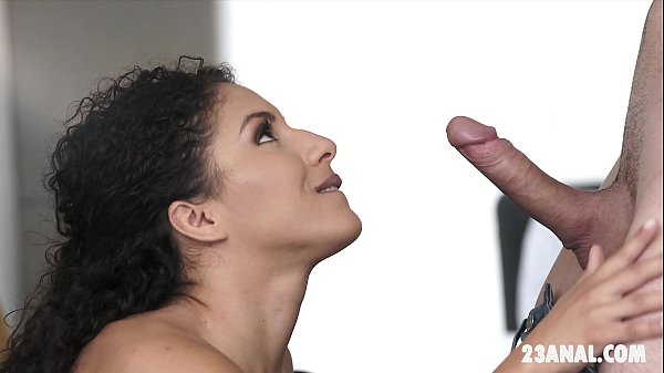 Bubble butt Liv Revamped enjoys anal sex