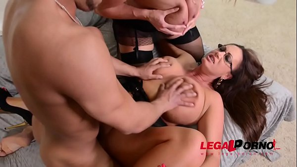 Busty bombshells Laura Orsolya & Emma Butt share big dick for cowgirl rides GP140