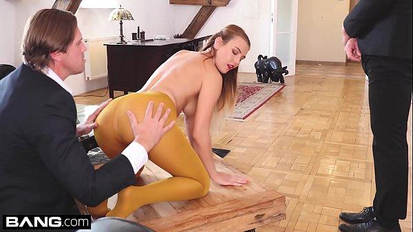 Glamkore – Euro babe Timea Bella erotic hardcore DP