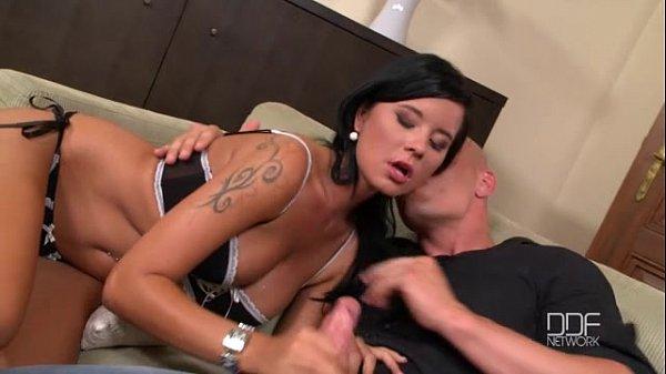 Mia Manarote Deep throats a thick dick and enjoys a facial