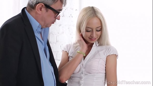 Tricky Old Teacher – Old man tastes juicy pussy of a blonde