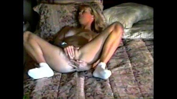 Hidden cam of a Mom getting herself off