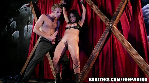 Lana Violet is a stripper with a fetish for bondage