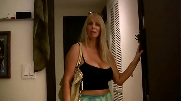Milf gives him a relaxing balls emptying blowjob