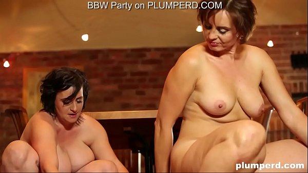 2 Mature Fat Ladies enjoying the cleaning boy