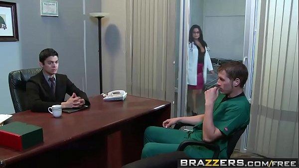 Brazzers – Doctor Adventures – NipFuck scene starring Sophia Lomeli and Chris Johnson