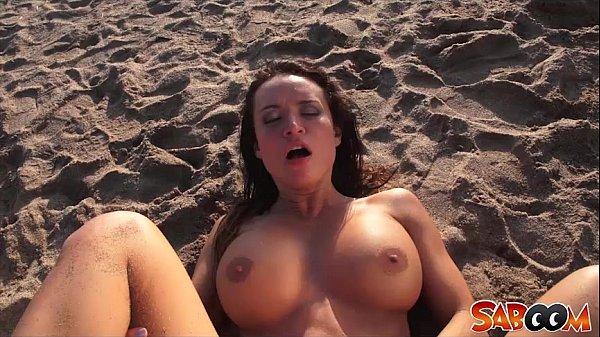 Franceska James hot beach fuck at Saboom