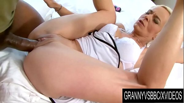 Granny Vs BBC – GILF Roxette Gets Licked and Dicked by Her Black Boyfriend