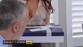 (Madison Ivy, Keiran Lee) – The Assistant's Affair – Brazzers