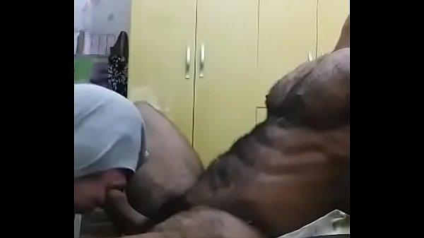 mamando macho alpha