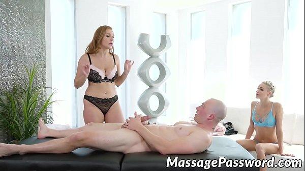 Massage babes Emma Hix and Skylar Snow sharing big cock