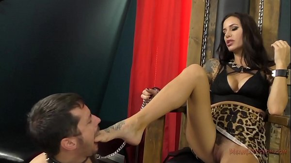 Mean Dungeon – Gia DiMarco