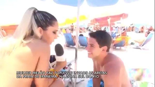 Mulher Melão Faz Topless – [Praia de Ipanema]